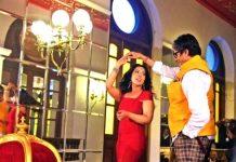 maharashtra-cm-devendra-fadnavis-wife-amruta-fadnavis-dances-with-amitabh-bachchan-301116
