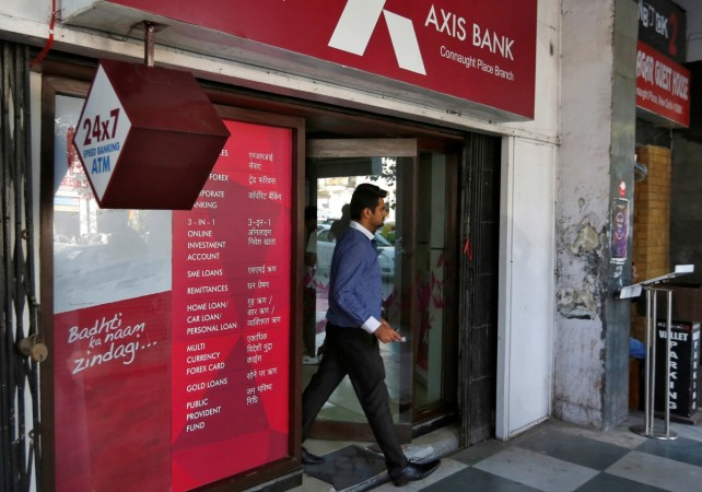 axis bank in trouble