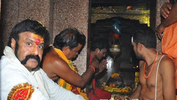 Balakrishna performs special pooja at Karimnagar Kotilingala temple
