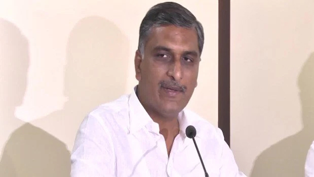 harish rao teaching with trs party leaders