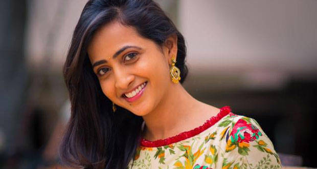 Small Screen Anchor Turn As Heroines For Tollywood