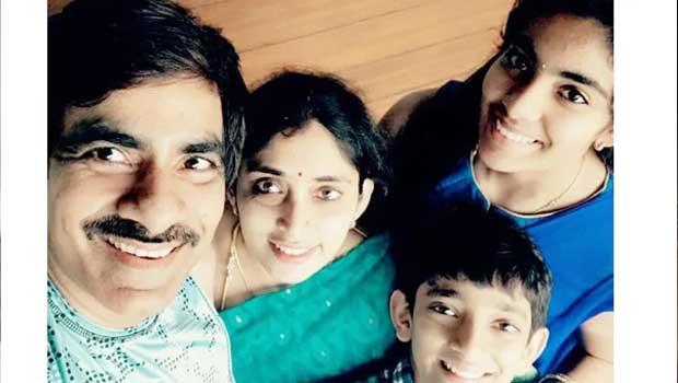 raviteja family selfie