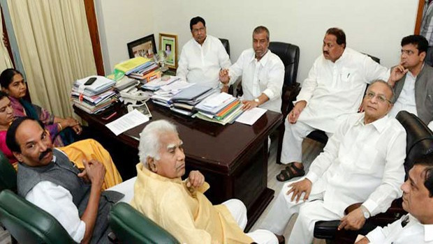 tcongress political leaders fight for chief minister candidate