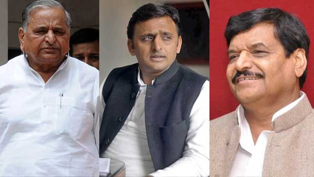 family showing torture to akhilesh