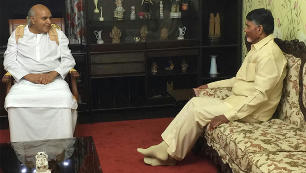 chandrababu meets ramoji rao in home